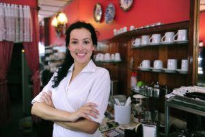Малый бизнес может существенно сэкономить на зарплатных картах Сбербанка